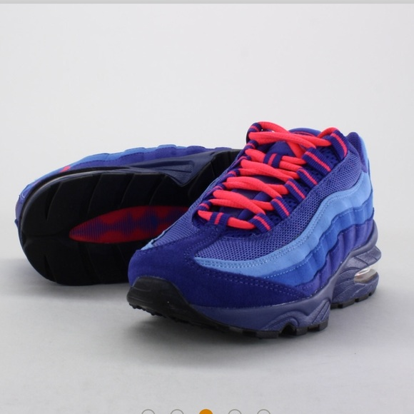 7eaa77f71bce Nike blue and pink suede air max 95 Sz 5y  6.5. M 5b35e6975c445239ac214af6